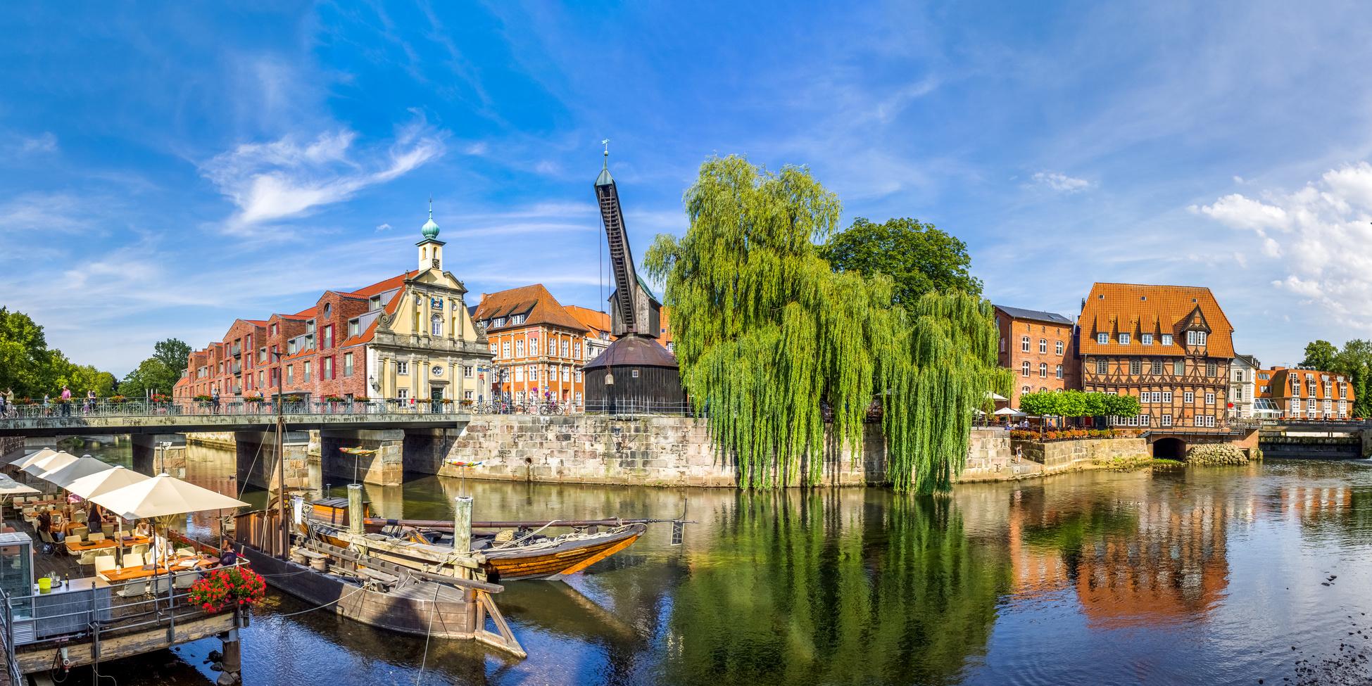 Baureinigung-Lüneburg - die Ö&I CLEAN group GmbH sorgt auch in Lüneburg für strahlenden Glanz!