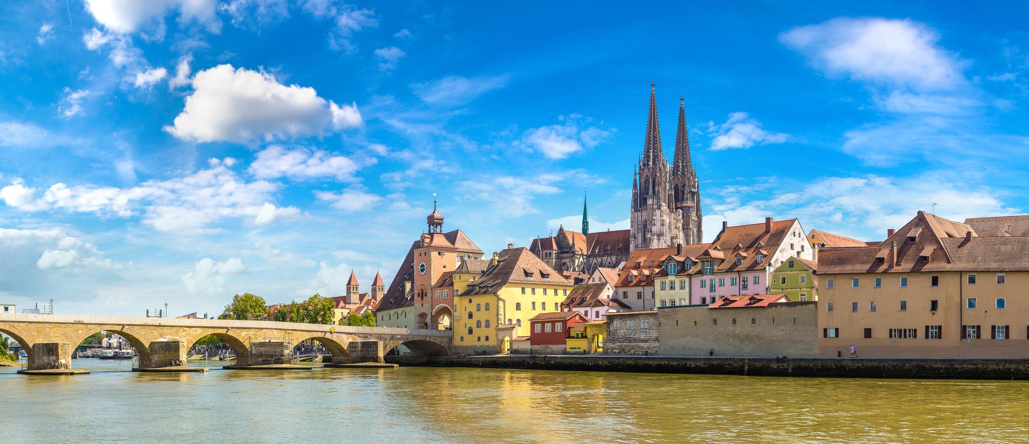 Baureinigung-Regensburg Im schönen Regensburg sorgt die Ö&I CLEAN group GmbH für Sauberkeit.